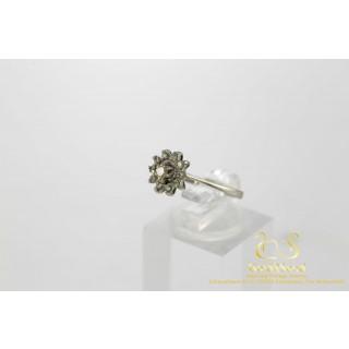 Art Deco Style Rozet Ring Witgouden Ring 14 karaat