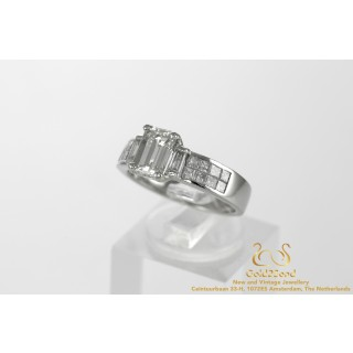 2.27 ct Platinum Ring with 1.5 ct Emerald Cut Diamond