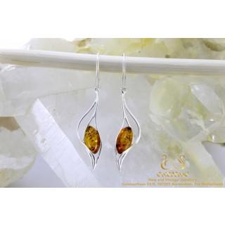 Leaf drop barnsteen zilveren oorbellen
