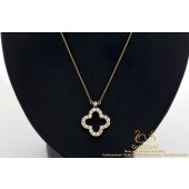 Diamond Clover Pendant with Necklace Chain Rose Gold 18 Karat